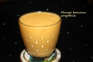 Mango banana smoothie1