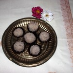 Coconut ladoo or laddu recipe – diwali sweet recipe