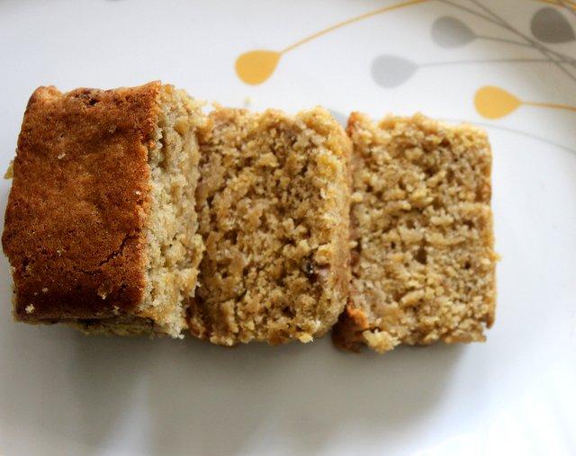 how to make eggless banana cake recipe